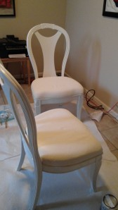 knee and chairs3 078